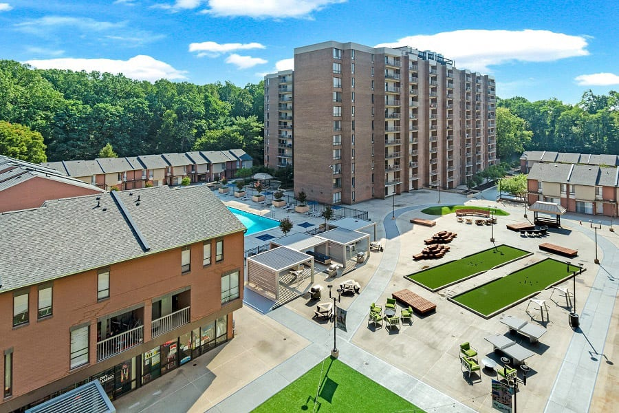 Trillium Apartments in Fairfax, VA Plaza aerial view
